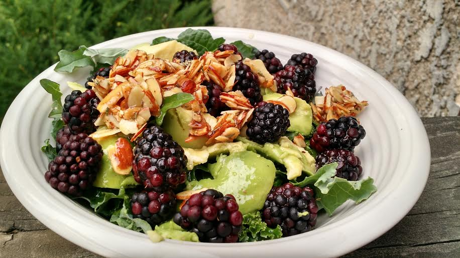 kale blackberry salad with Rosemary Almonds